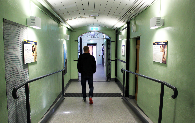 On Voyages Une Ancienne TestéDormir Dans Prison A Et Compagnie 5RAjL4